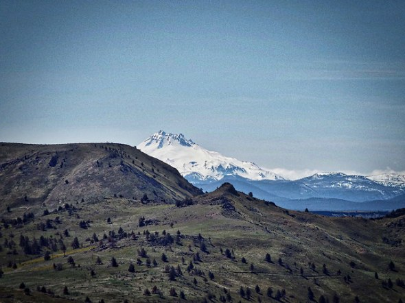 Mt. Jefferson. Photo by Tim Graves. Creative Commons License BY-NC-ND 3.0 https://creativecommons.org/licenses/by-nc-nd/3.0/us/